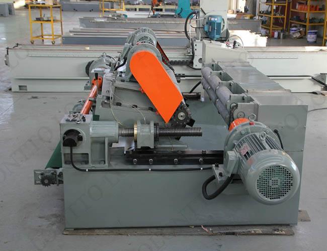 VENEER PEELING MACHINE 1
