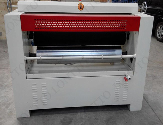 veneer glub spreading machine