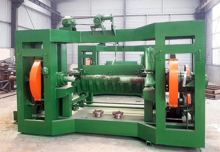 SPINDLE VENEER PEELING MACHINE